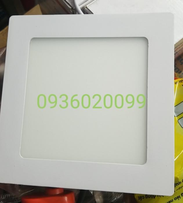 Đèn âm trần vuông 18 w lỗ 20 x20cm